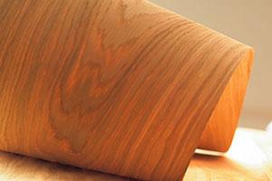 Papier peint placage bois: sélection et collage