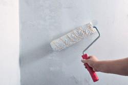 murs d'apprêt pour papier peint
