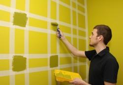 peinture des murs en deux couleurs avec du ruban adhésif