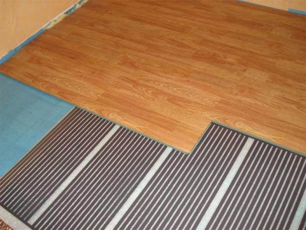Plancher chaud sous le stratifié: comment choisir et installer de ses propres mains