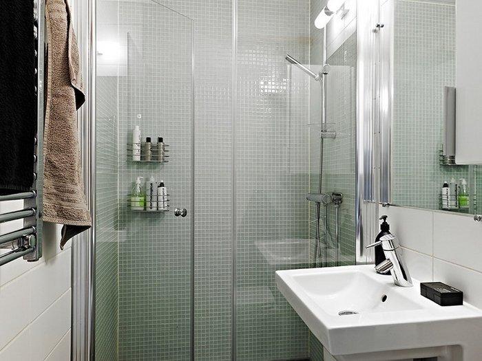 petite salle de bain petits carreaux