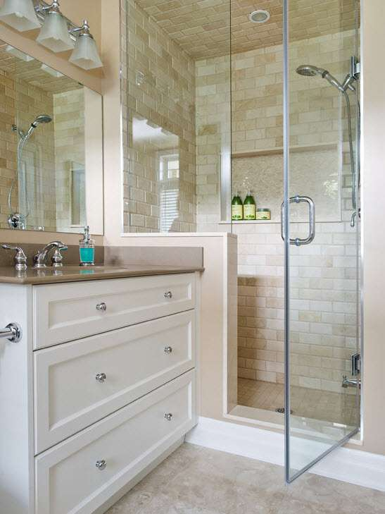petits rideaux transparents de salle de bain