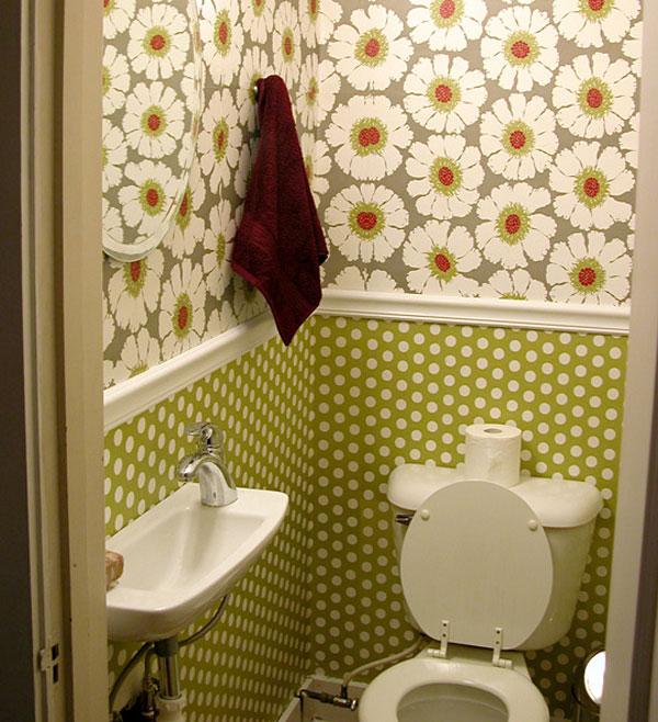 petit papier peint de toilette