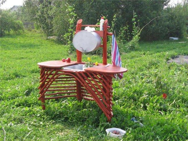 Lavabo d'extérieur pour maison d'été et jardin: choisissez le ready-made ou faites-le vous-même