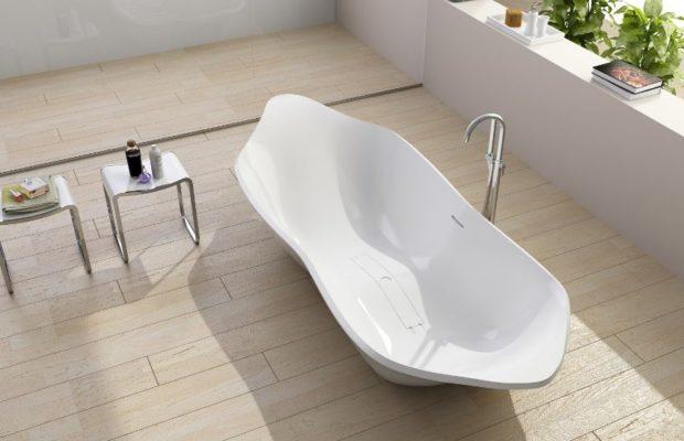 10 conseils pour choisir un bain acrylique: tailles, épaisseur, fabricants