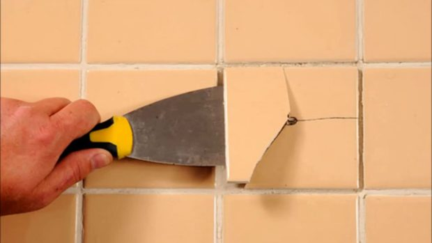 5 façons d'enlever les carreaux du mur et du sol