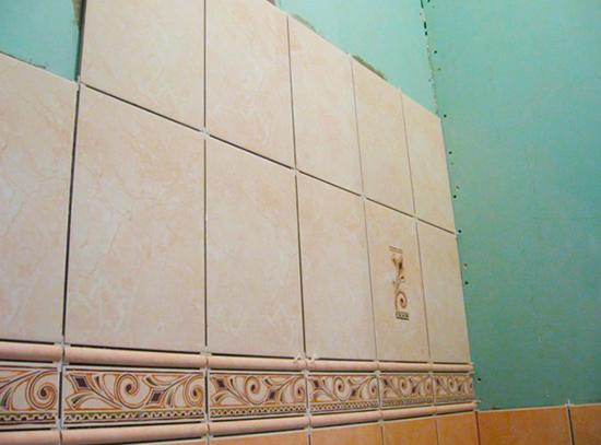 Pose de carreaux sur des cloisons sèches dans la salle de bain: 9 conseils