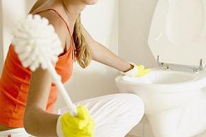 17 façons de laver les toilettes d'une pierre et d'une plaque jaune