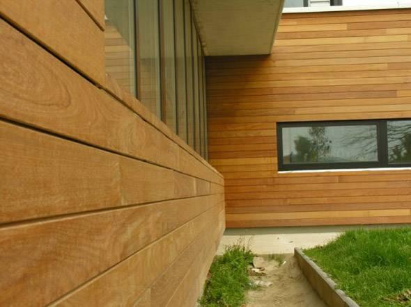 revêtement en bois pour la façade de la maison