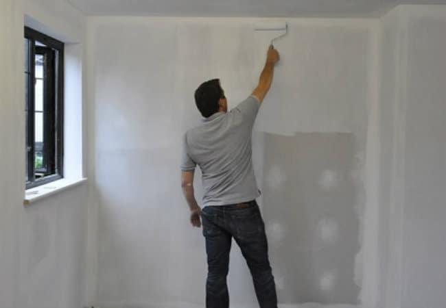 8 conseils pour choisir un apprêt pour papier peint