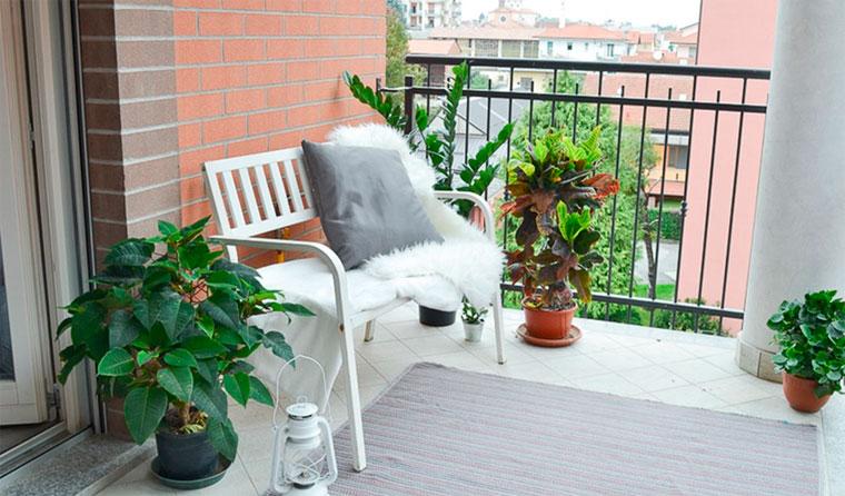9 matériaux pour la finition du sol sur le balcon et la loggia