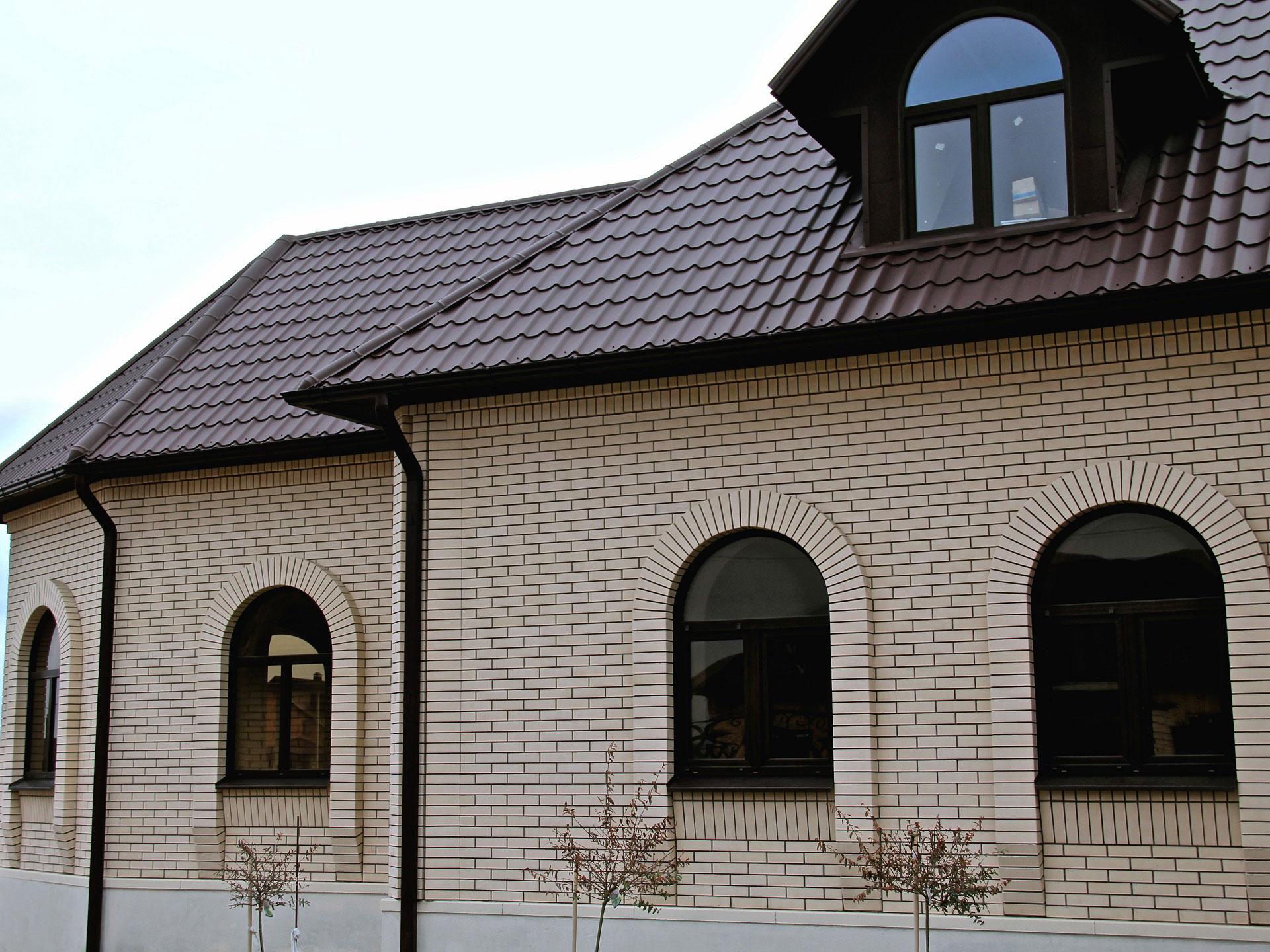 brique en céramique pour la façade de la maison