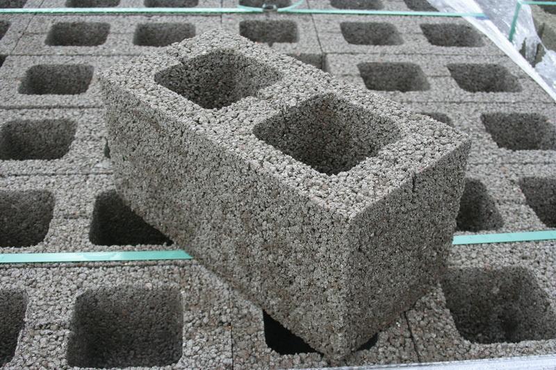 10 conseils pour choisir des blocs de béton d'argile expansée: avantages, inconvénients, marques, fabricants