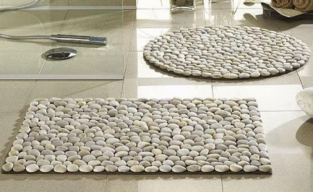 8 conseils pour choisir un tapis dans la salle de bain