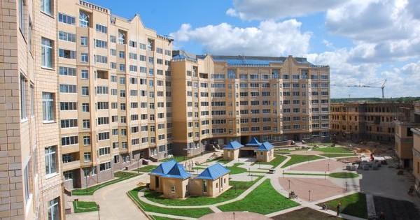 Dans quels nouveaux bâtiments vaut-il mieux acheter un appartement (par exemple, Saint-Pétersbourg)