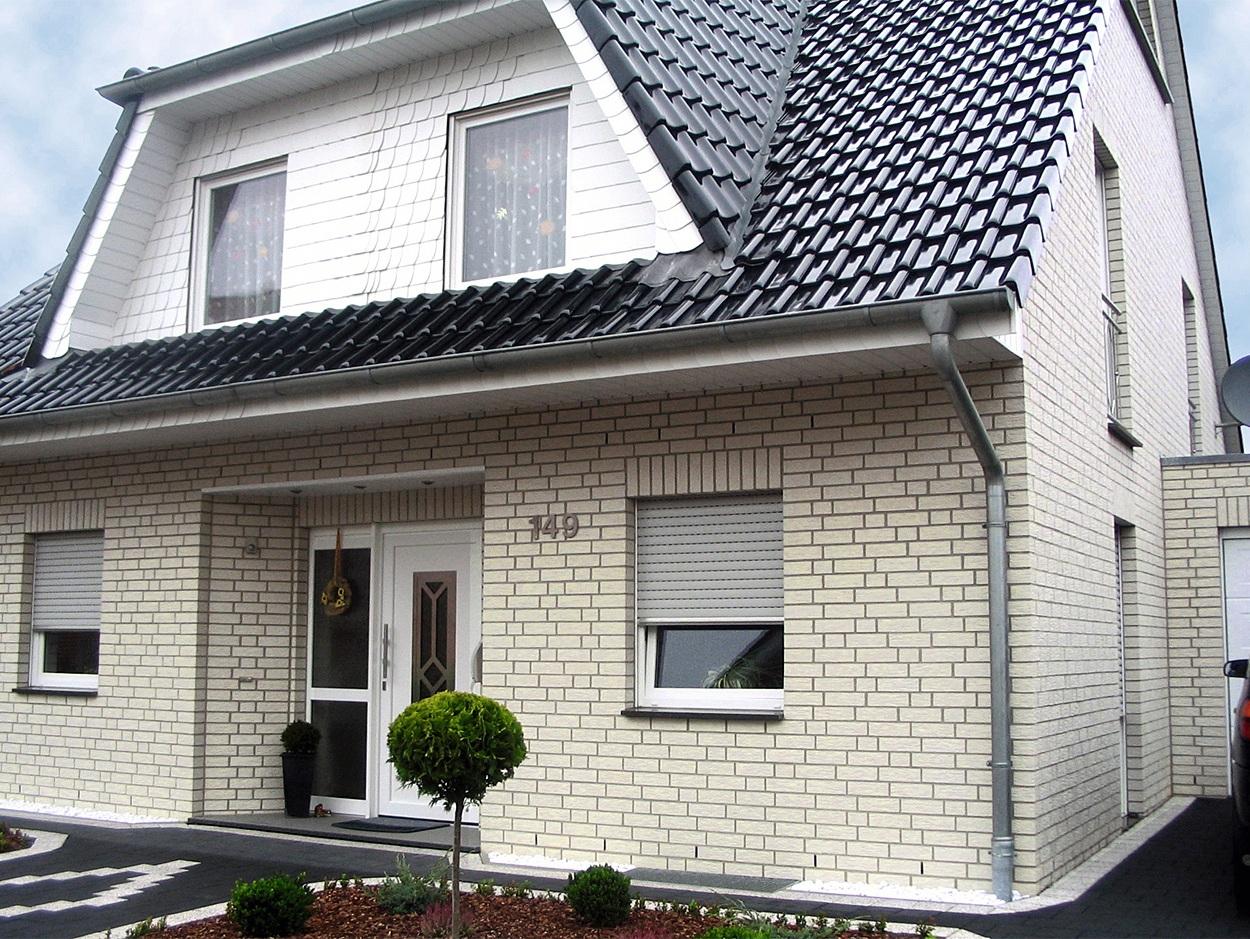 brique de silicate pour la façade de la maison
