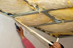 isoler le garage de l'intérieur avec de la laine minérale